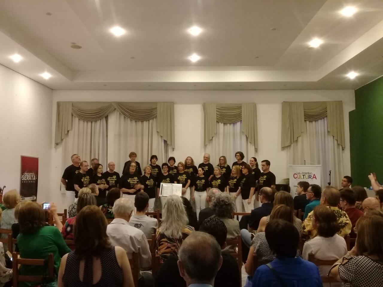 You are currently viewing Apresentação Coral Giuseppe Verdi na AISM